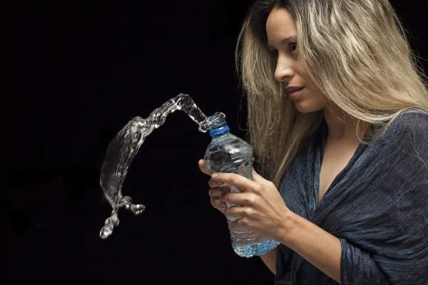 Ne bois pas d'eau pendant les repas ou tu cracheras du feu !