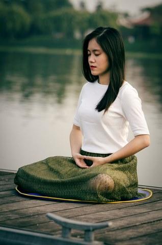 En Yoga, les techniques de respiration Pranayama sont idéales pour purifier ses poumons.