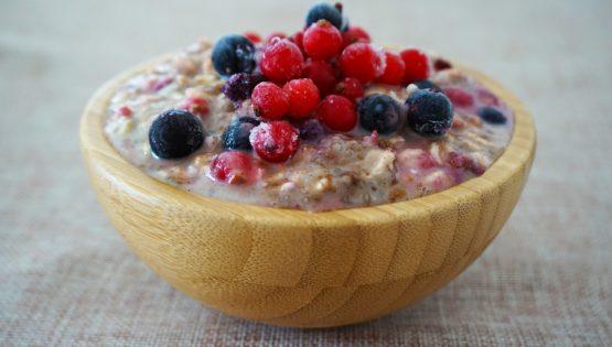 Le porridge est également un petit-déjeuner sain pour bien démarrer sa journée.